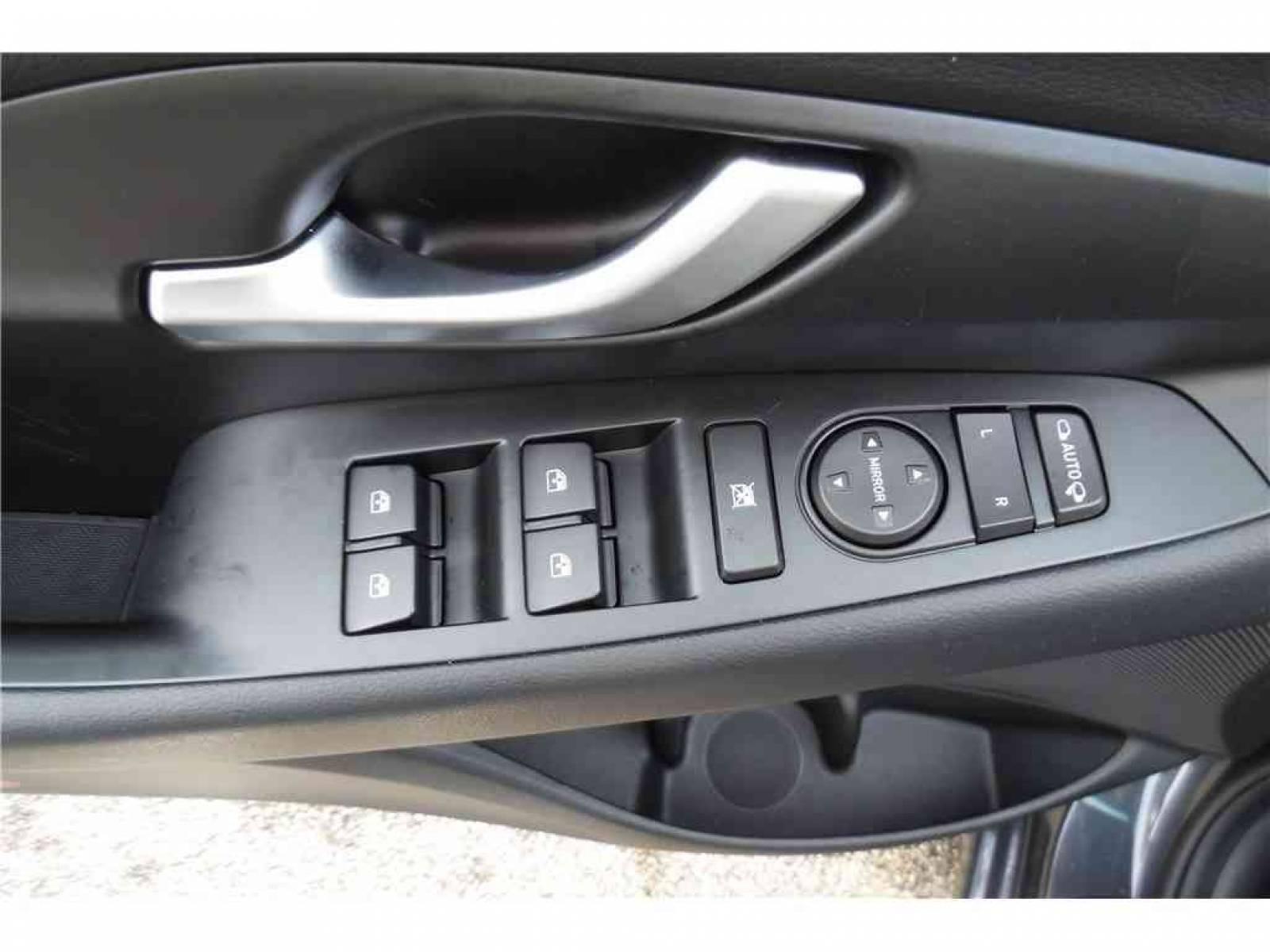 HYUNDAI i30 1.0 T-GDi 120 iBVM6 - véhicule d'occasion - Groupe Guillet - Hyundai - Zenith Motors – Montceau-les-Mines - 71300 - Montceau-les-Mines - 26