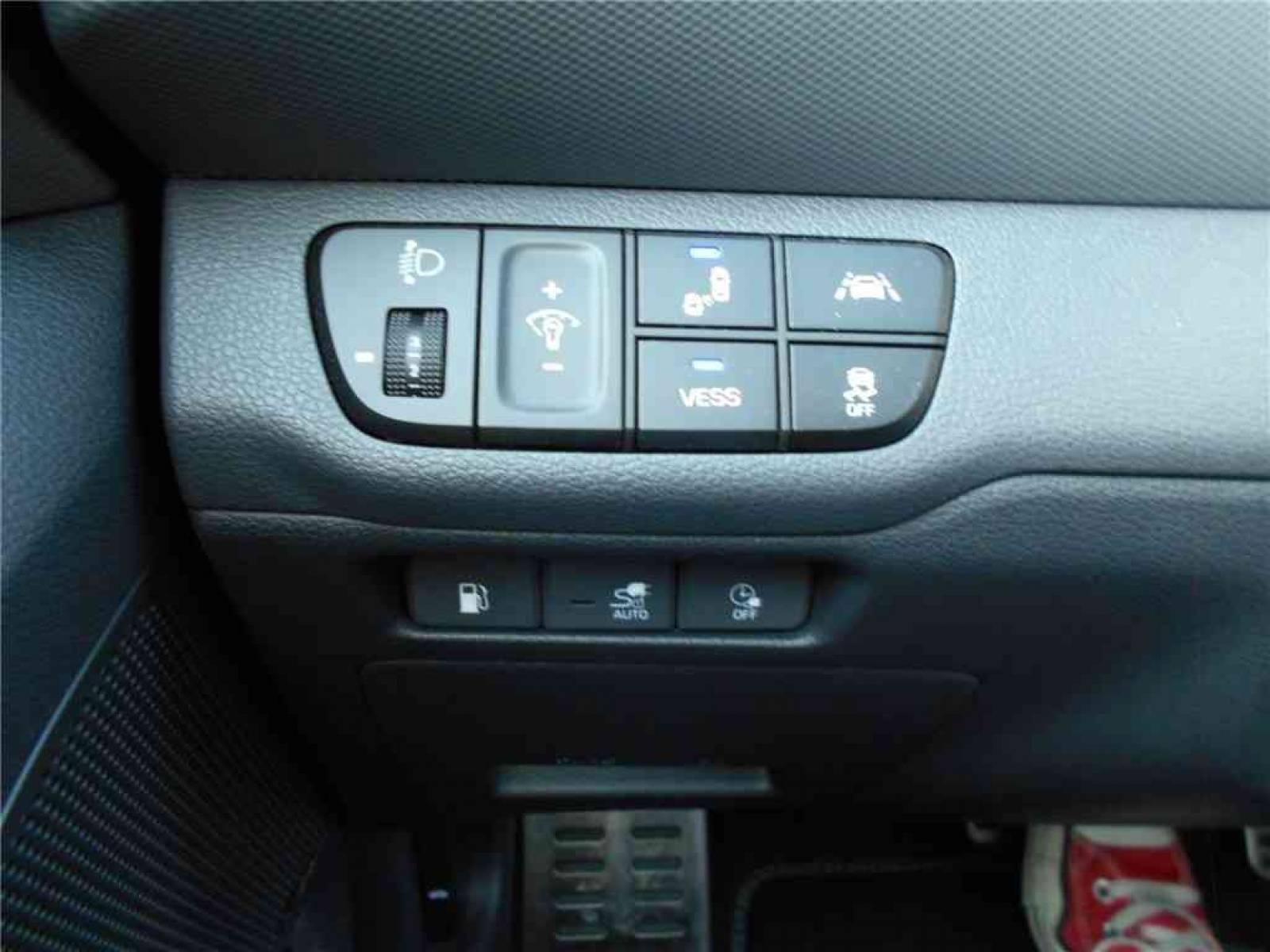HYUNDAI Ioniq Plug-in 141 ch - véhicule d'occasion - Groupe Guillet - Chalon Automobiles - 71100 - Chalon-sur-Saône - 12