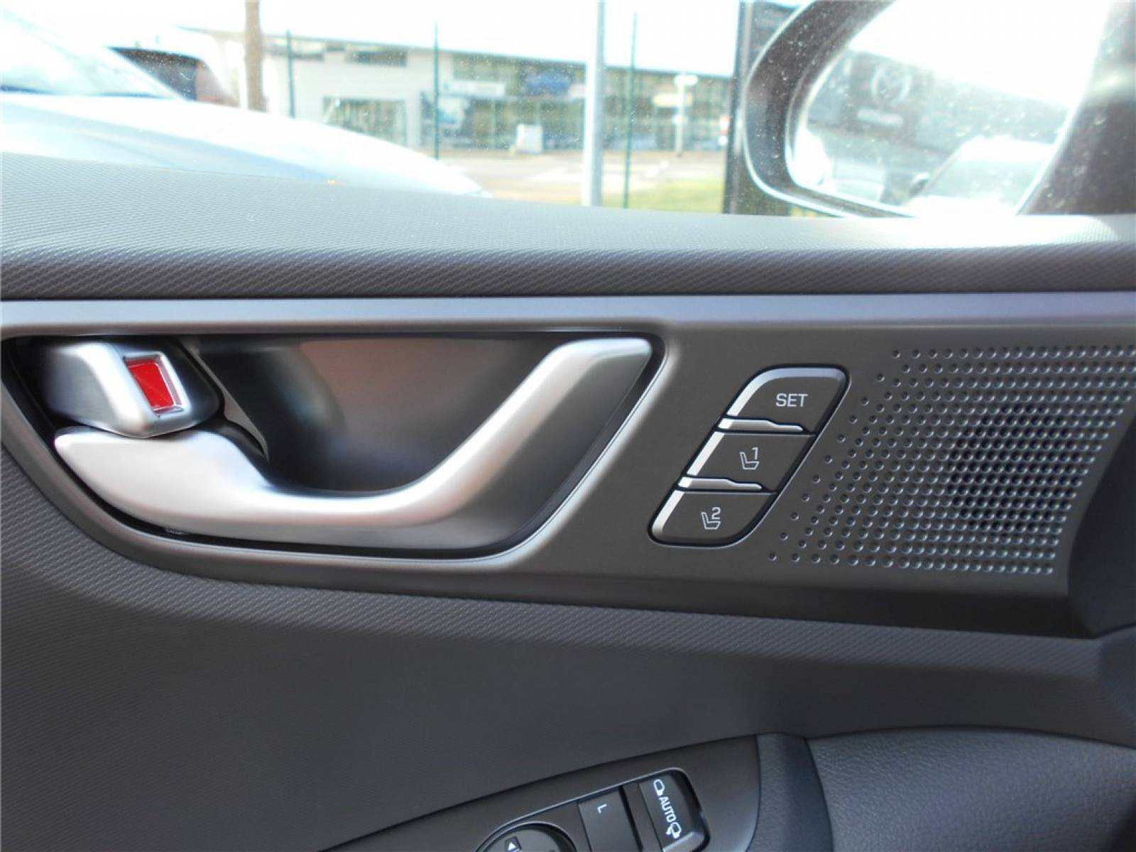 HYUNDAI Ioniq Plug-in 141 ch - véhicule d'occasion - Groupe Guillet - Chalon Automobiles - 71100 - Chalon-sur-Saône - 20