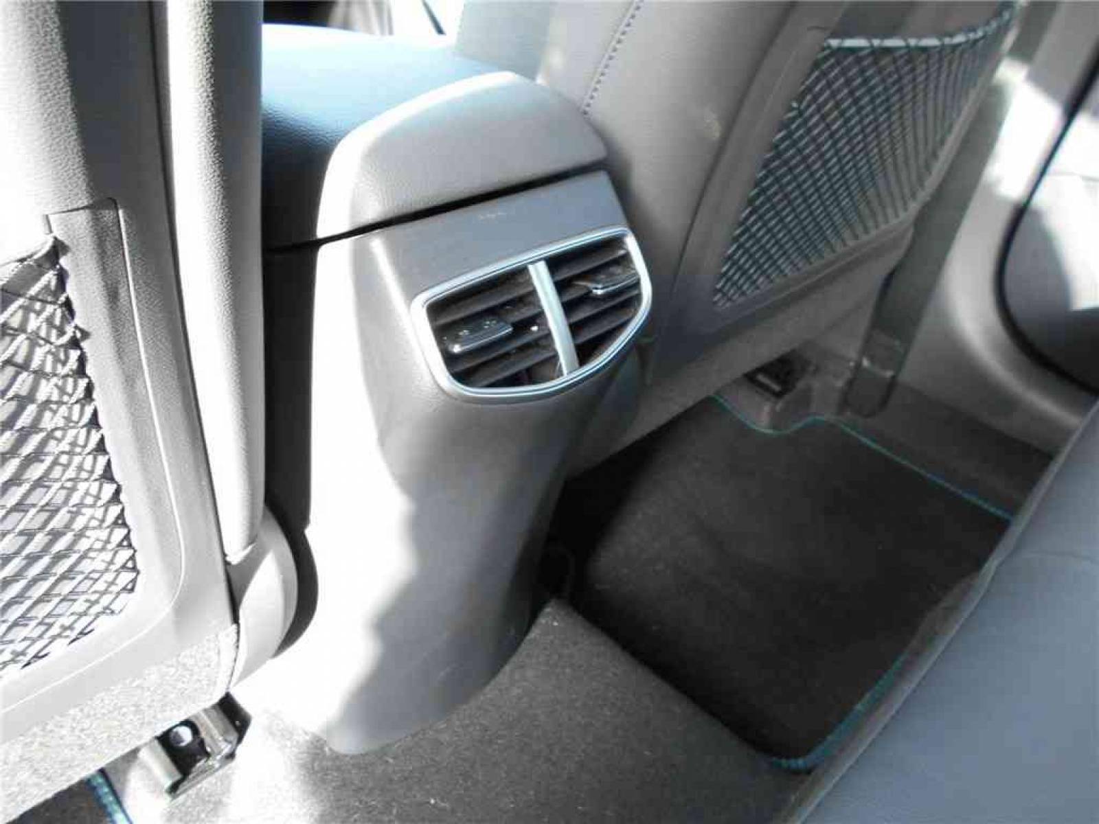 HYUNDAI Ioniq Plug-in 141 ch - véhicule d'occasion - Groupe Guillet - Chalon Automobiles - 71100 - Chalon-sur-Saône - 26