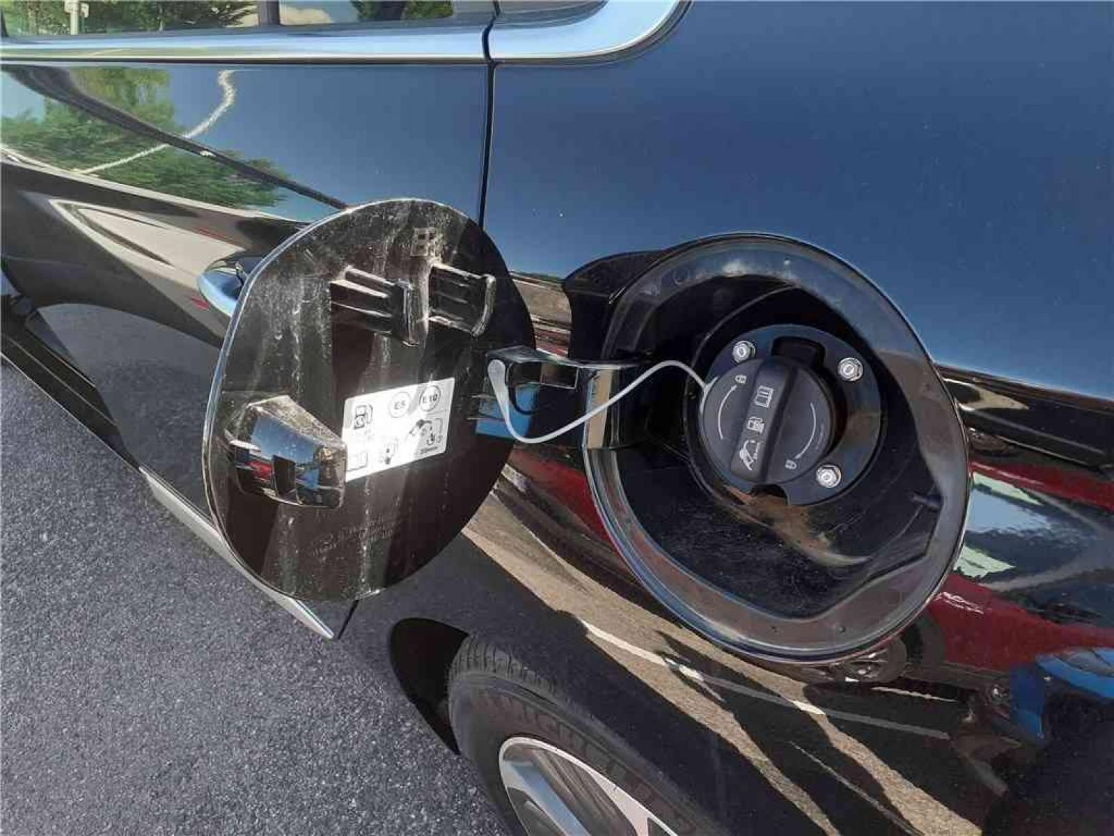 HYUNDAI Ioniq Plug-in 141 ch - véhicule d'occasion - Groupe Guillet - Chalon Automobiles - 71100 - Chalon-sur-Saône - 6