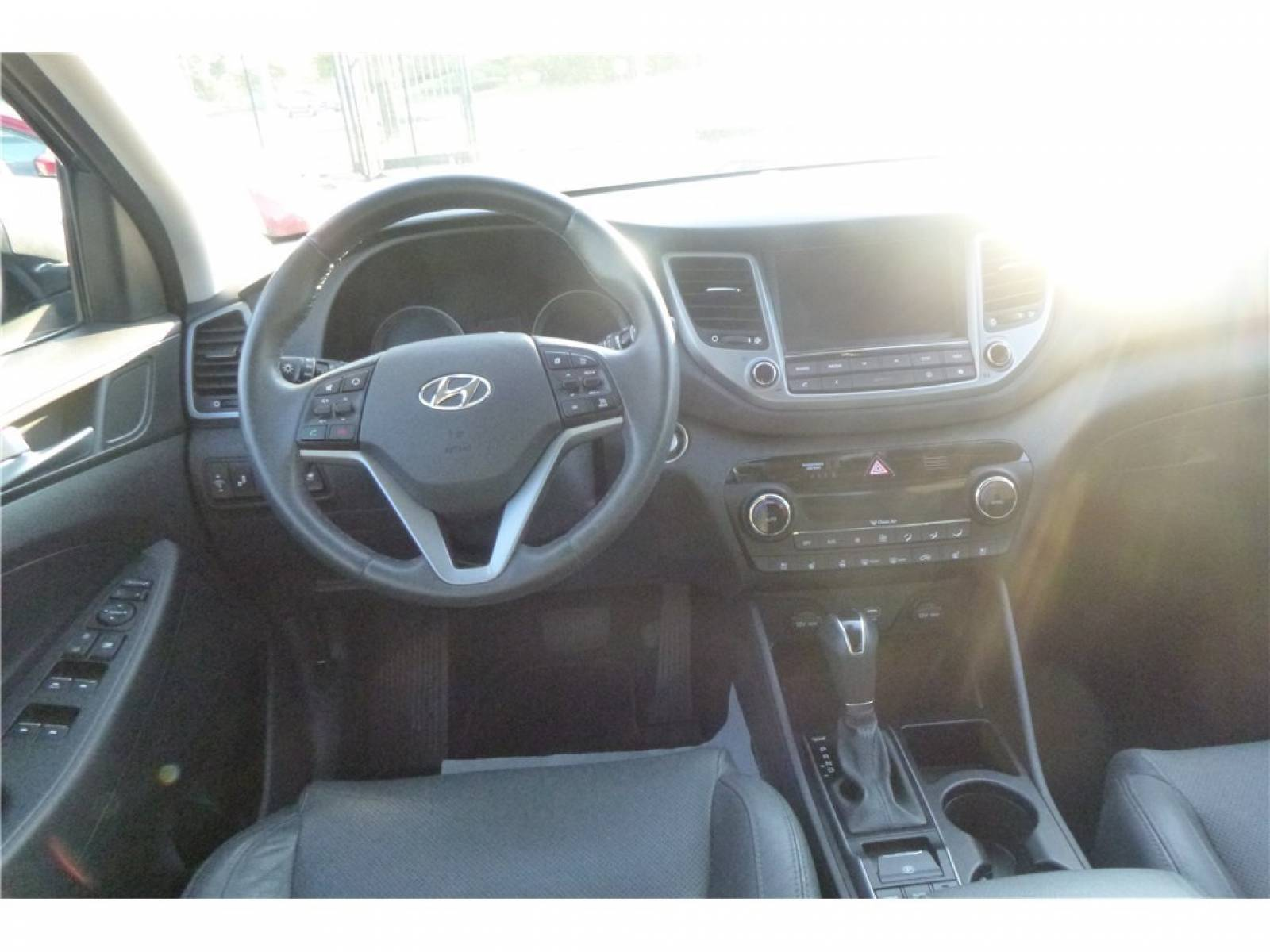 HYUNDAI Tucson 1.7 CRDi 141 2WD DCT-7 - véhicule d'occasion - Groupe Guillet - Chalon Automobiles - 71100 - Chalon-sur-Saône - 25