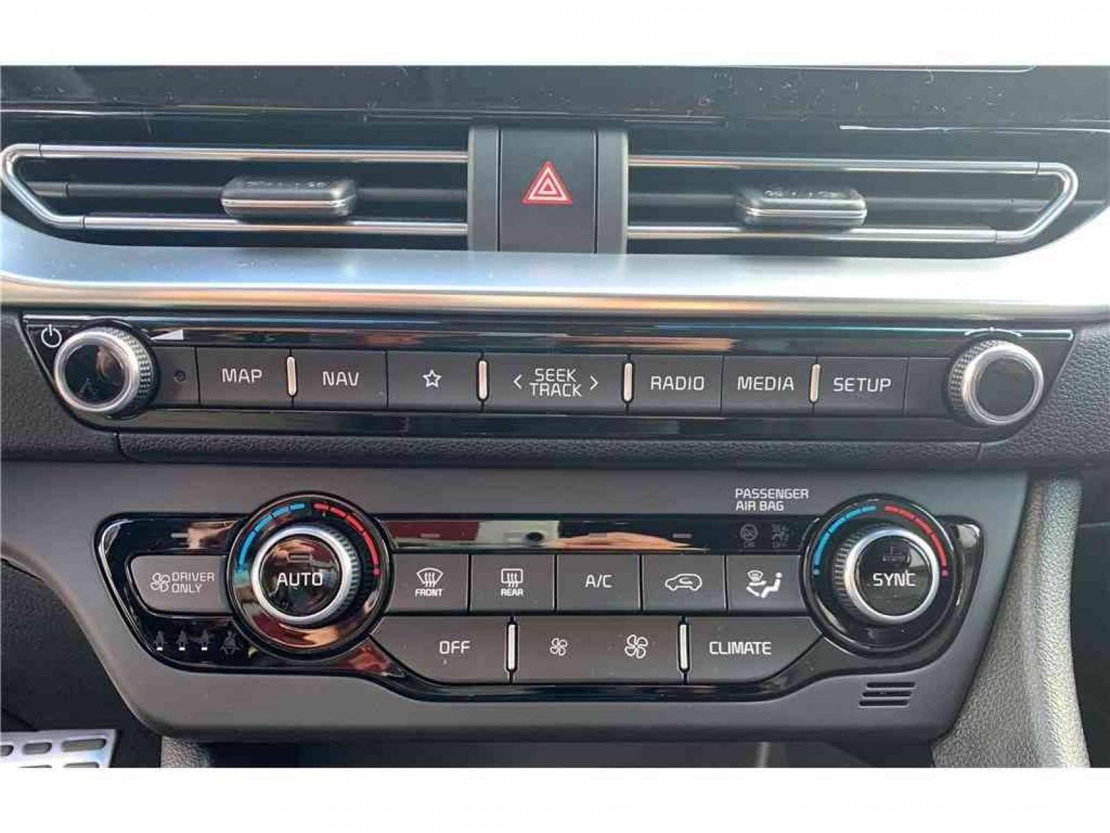 KIA Niro Hybrid Recharg 1.6 GDi 105 ch ISG + Elec 60.5 ch DCT6 - véhicule d'occasion - Groupe Guillet - Hall de l'automobile - Montceau les Mines - 71300 - Montceau-les-Mines - 27