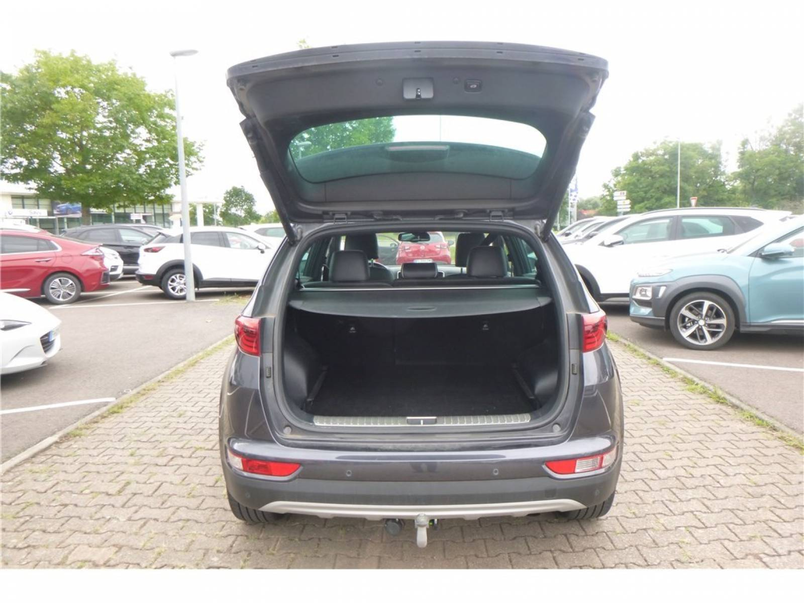 KIA Sportage 1.6 CRDi 136 ISG 4x2 DCT7 - véhicule d'occasion - Groupe Guillet - Chalon Automobiles - 71100 - Chalon-sur-Saône - 4