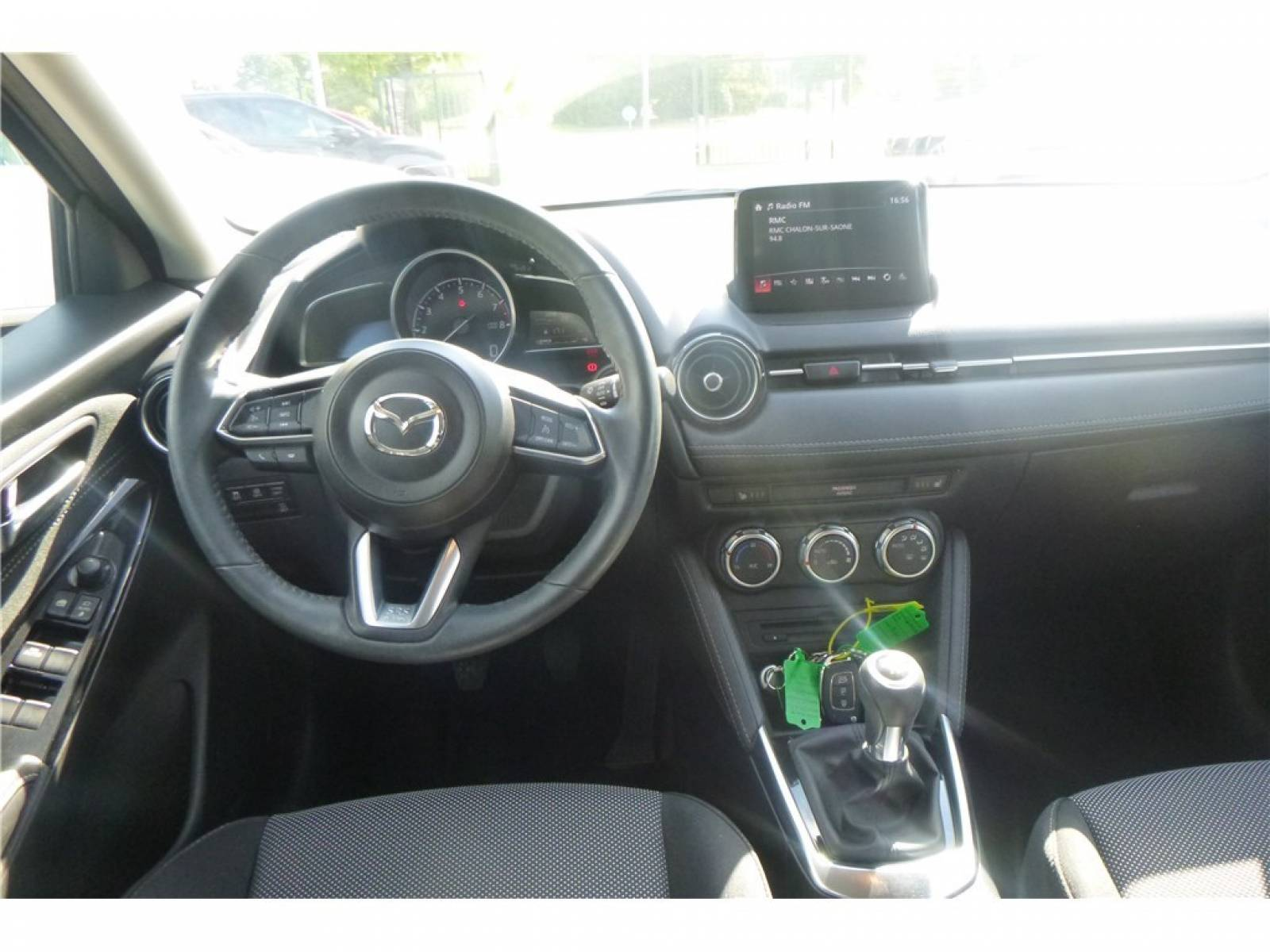 MAZDA Mazda2 1.5L SKYACTIV-G 90ch - véhicule d'occasion - Groupe Guillet - Chalon Automobiles - 71100 - Chalon-sur-Saône - 9