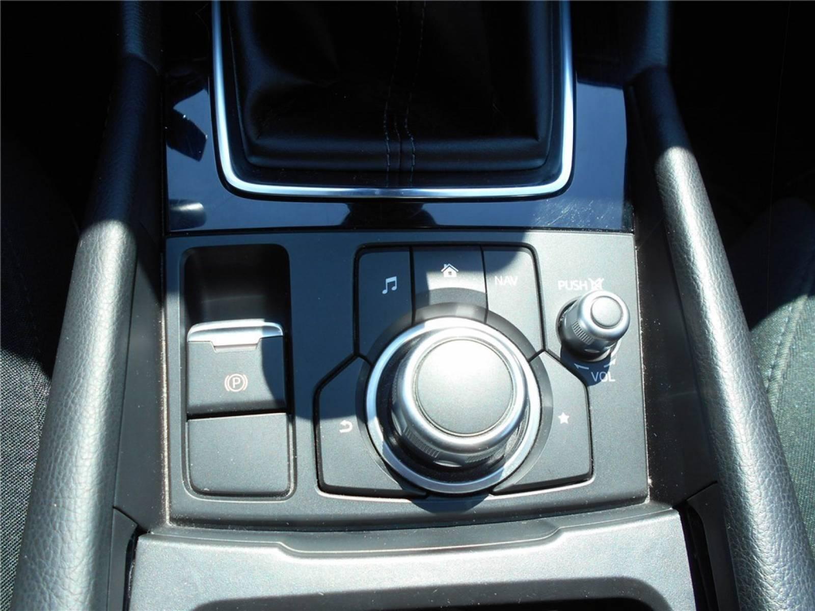 MAZDA Mazda3 2.2L SKYACTIV-D 150ch - véhicule d'occasion - Groupe Guillet - Chalon Automobiles - 71100 - Chalon-sur-Saône - 22