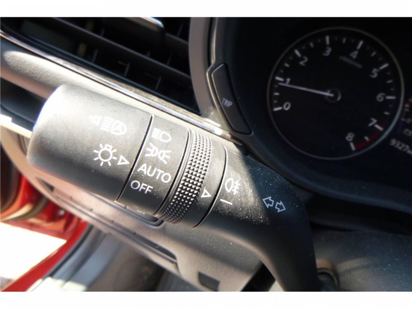 MAZDA Mazda3 5 portes 2.0L SKYACTIV-G M Hybrid 122 ch BVA6 - véhicule d'occasion - Groupe Guillet - Chalon Automobiles - 71100 - Chalon-sur-Saône - 18