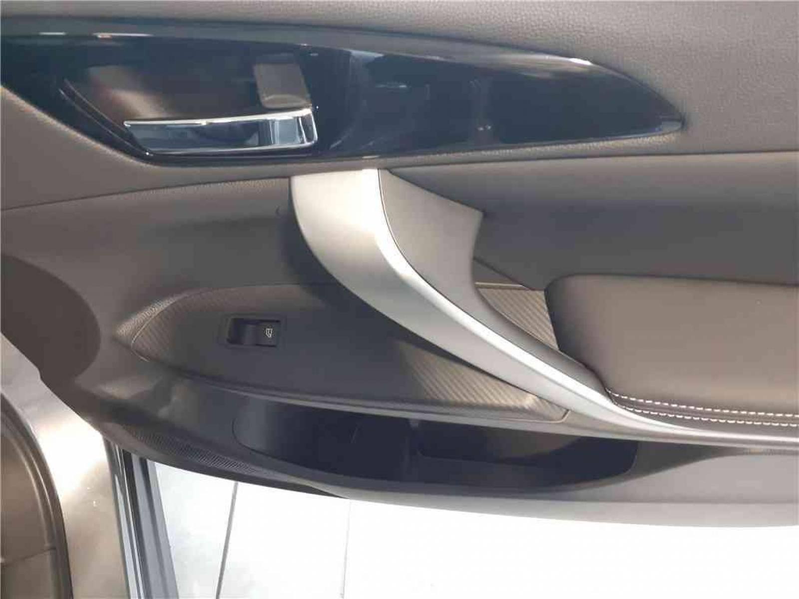 MITSUBISHI Eclipse Cross 2.4 MIVEC PHEV Twin Motor 4WD - véhicule d'occasion - Groupe Guillet - Hall de l'automobile - Chalon sur Saône - 71380 - Saint-Marcel - 33