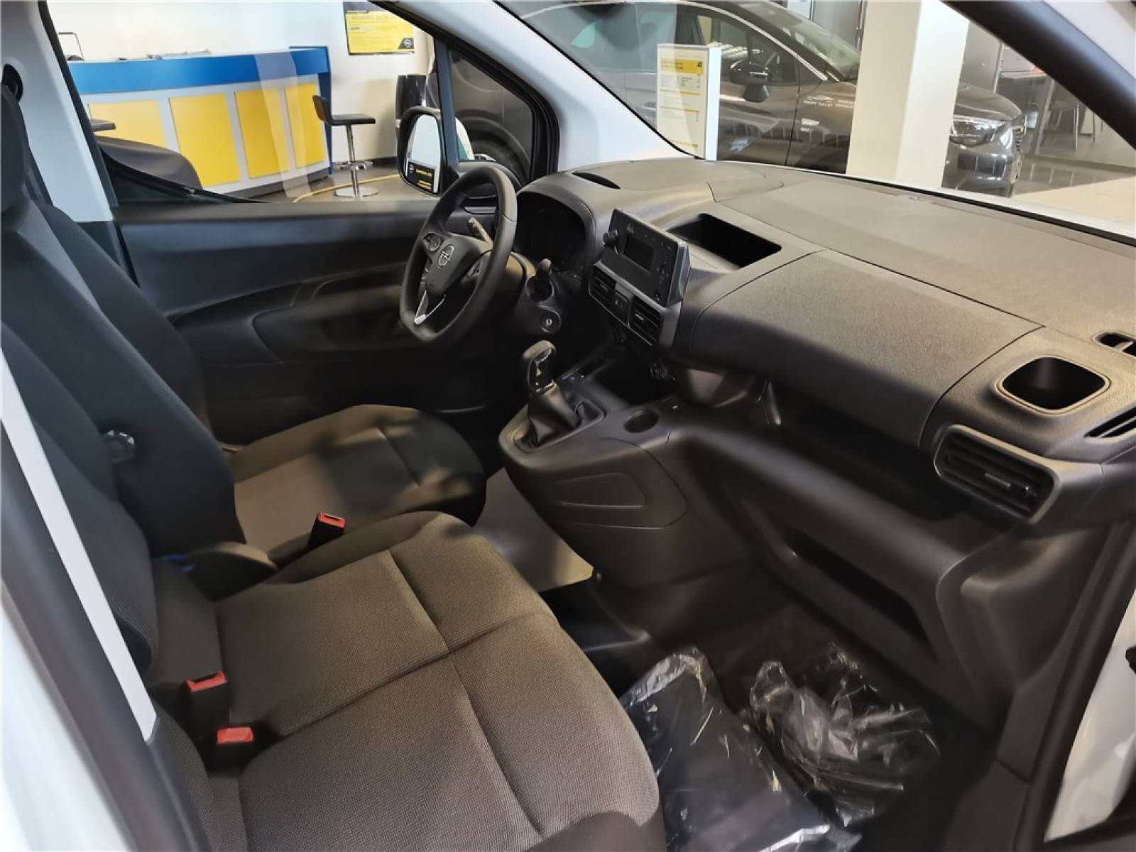 OPEL COMBO CARGO 1.5 100 CH L1H1 STANDARD - véhicule d'occasion - Groupe Guillet - Opel Magicauto - Chalon-sur-Saône - 71380 - Saint-Marcel - 25