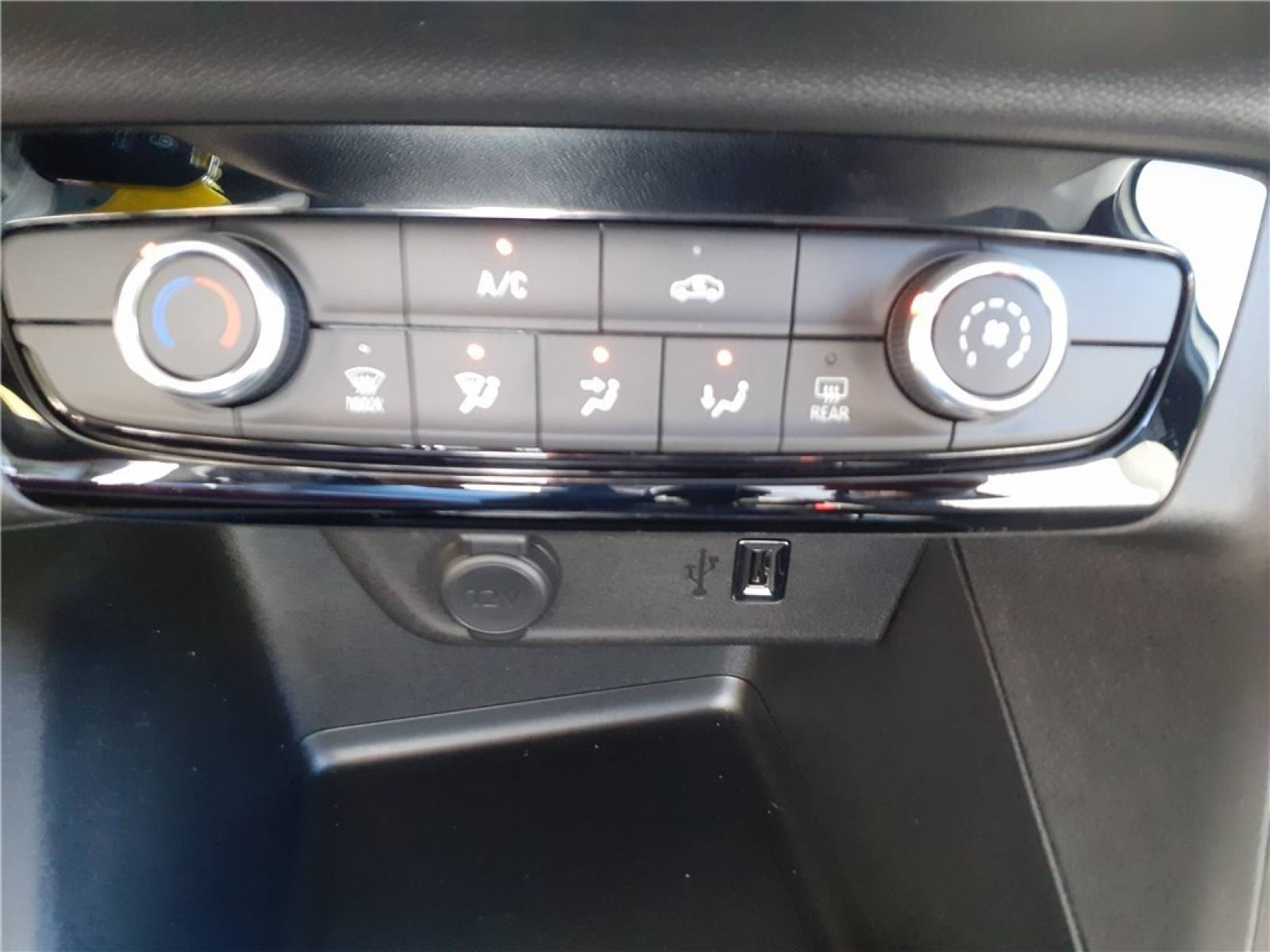 OPEL Corsa 1.2 Turbo 100 ch BVM6 - véhicule d'occasion - Groupe Guillet - Opel Magicauto - Chalon-sur-Saône - 71380 - Saint-Marcel - 30