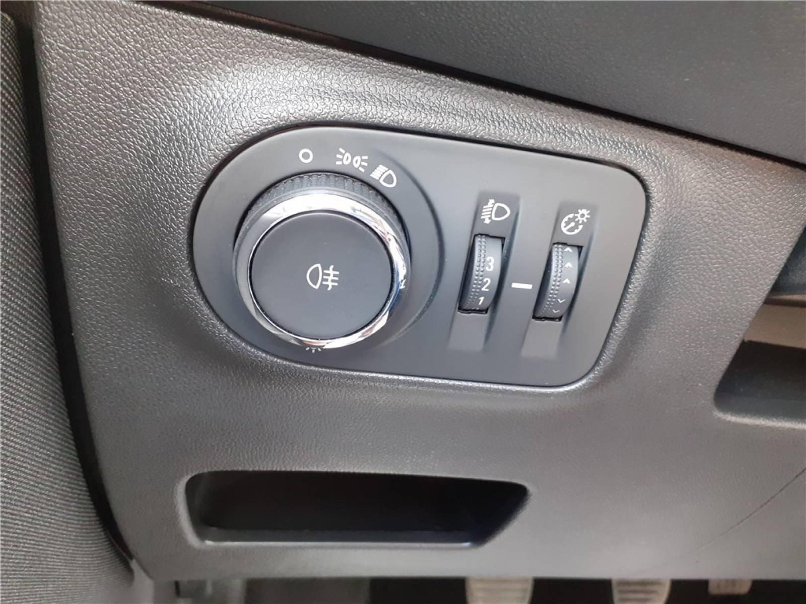 OPEL Corsa 1.4 90 ch - véhicule d'occasion - Groupe Guillet - Opel Magicauto - Chalon-sur-Saône - 71380 - Saint-Marcel - 32