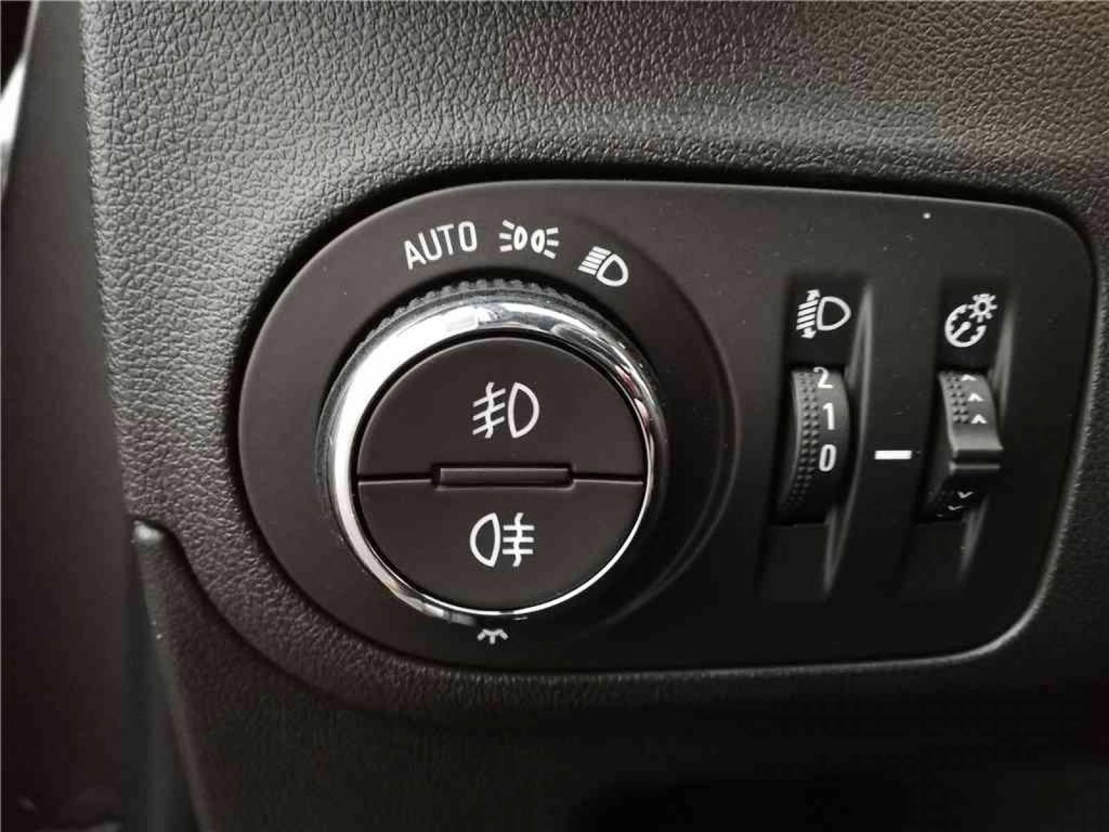 OPEL Crossland X 1.5 D 102 ch - véhicule d'occasion - Groupe Guillet - Opel Magicauto - Montceau-les-Mines - 71300 - Montceau-les-Mines - 16