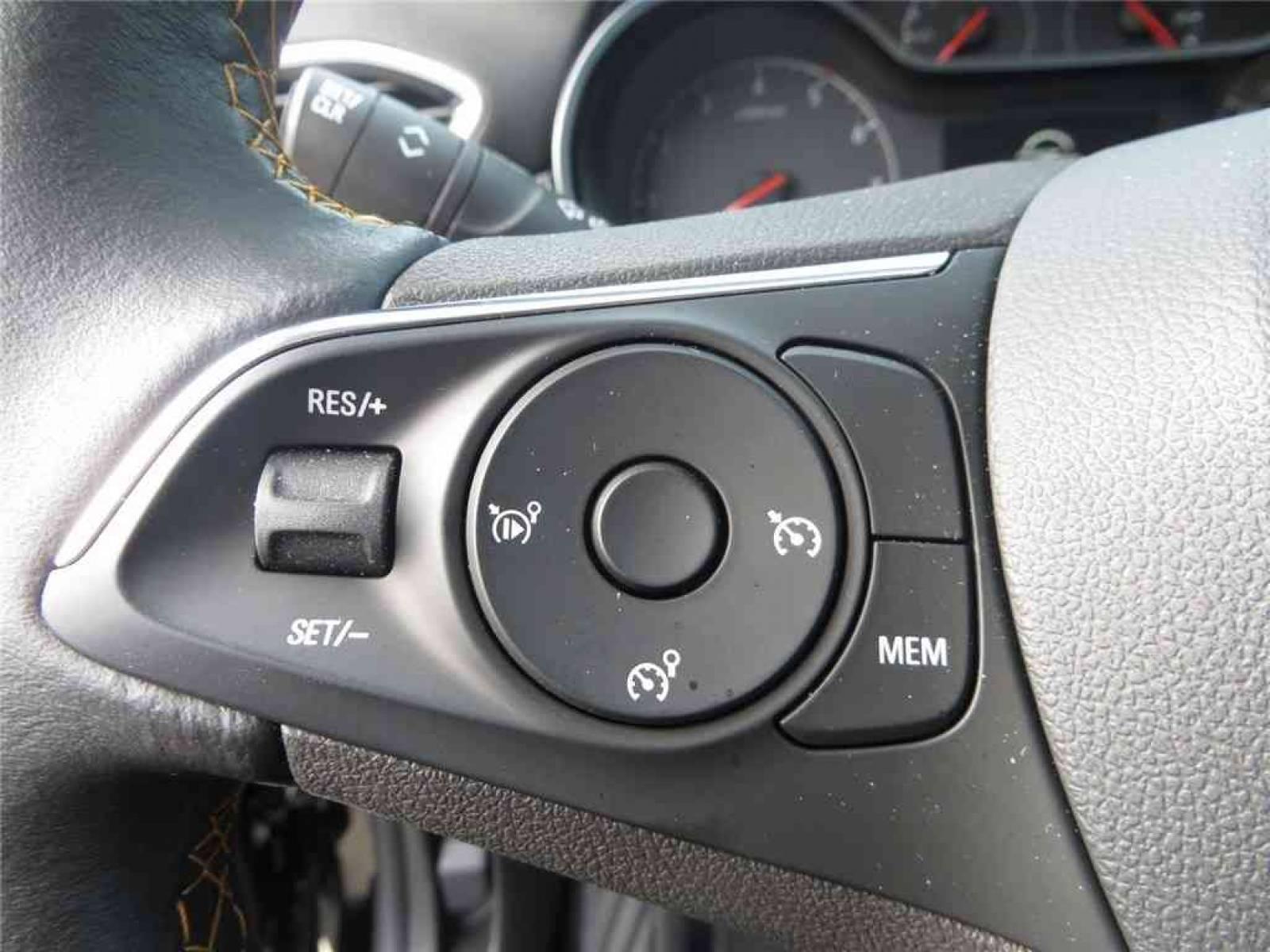 OPEL Crossland X 1.5 D 102 ch - véhicule d'occasion - Groupe Guillet - Opel Magicauto - Chalon-sur-Saône - 71380 - Saint-Marcel - 17