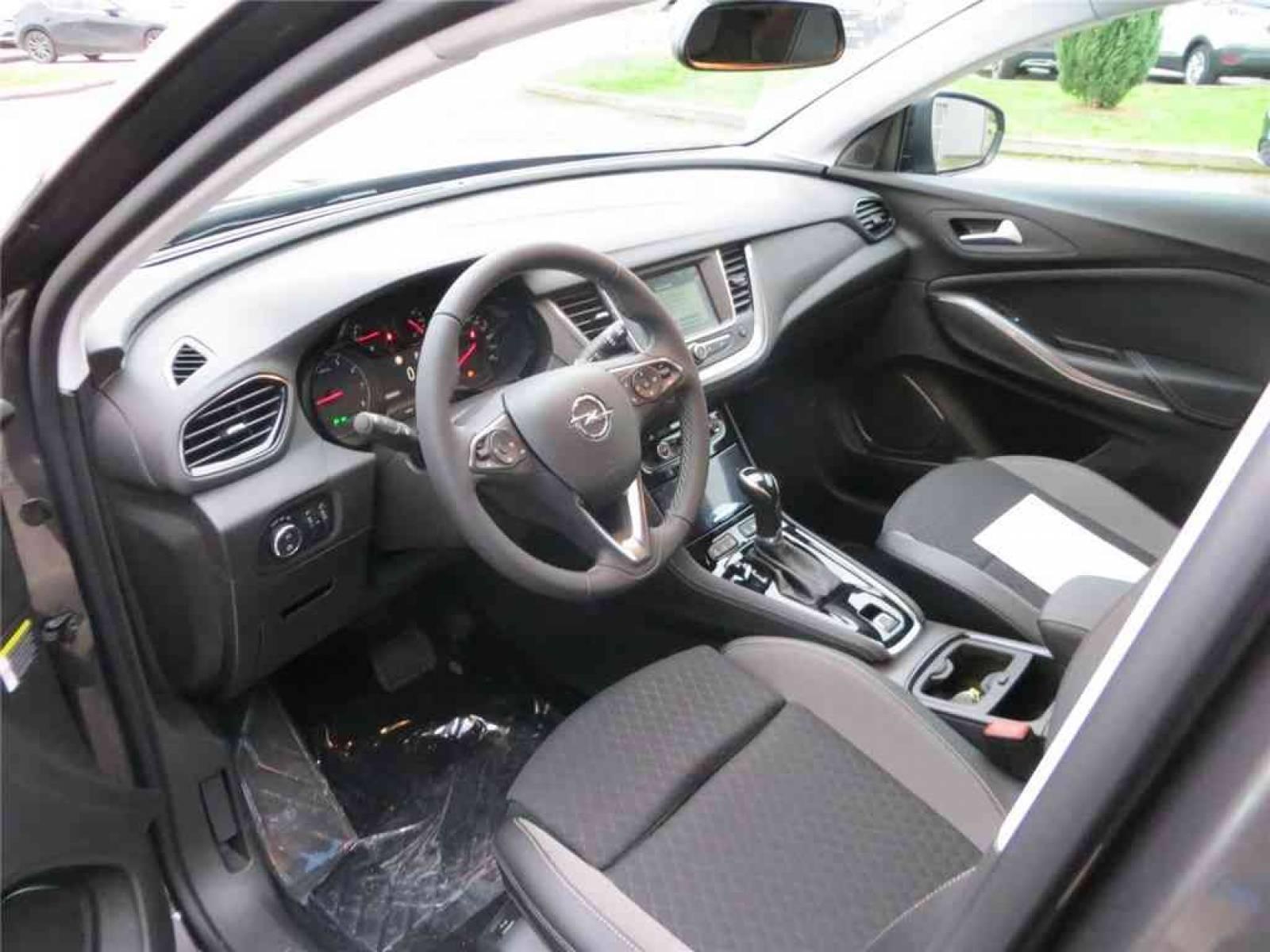 OPEL Grandland X 1.5 Diesel 130 ch BVA8 - véhicule d'occasion - Groupe Guillet - Opel Magicauto - Montceau-les-Mines - 71300 - Montceau-les-Mines - 15