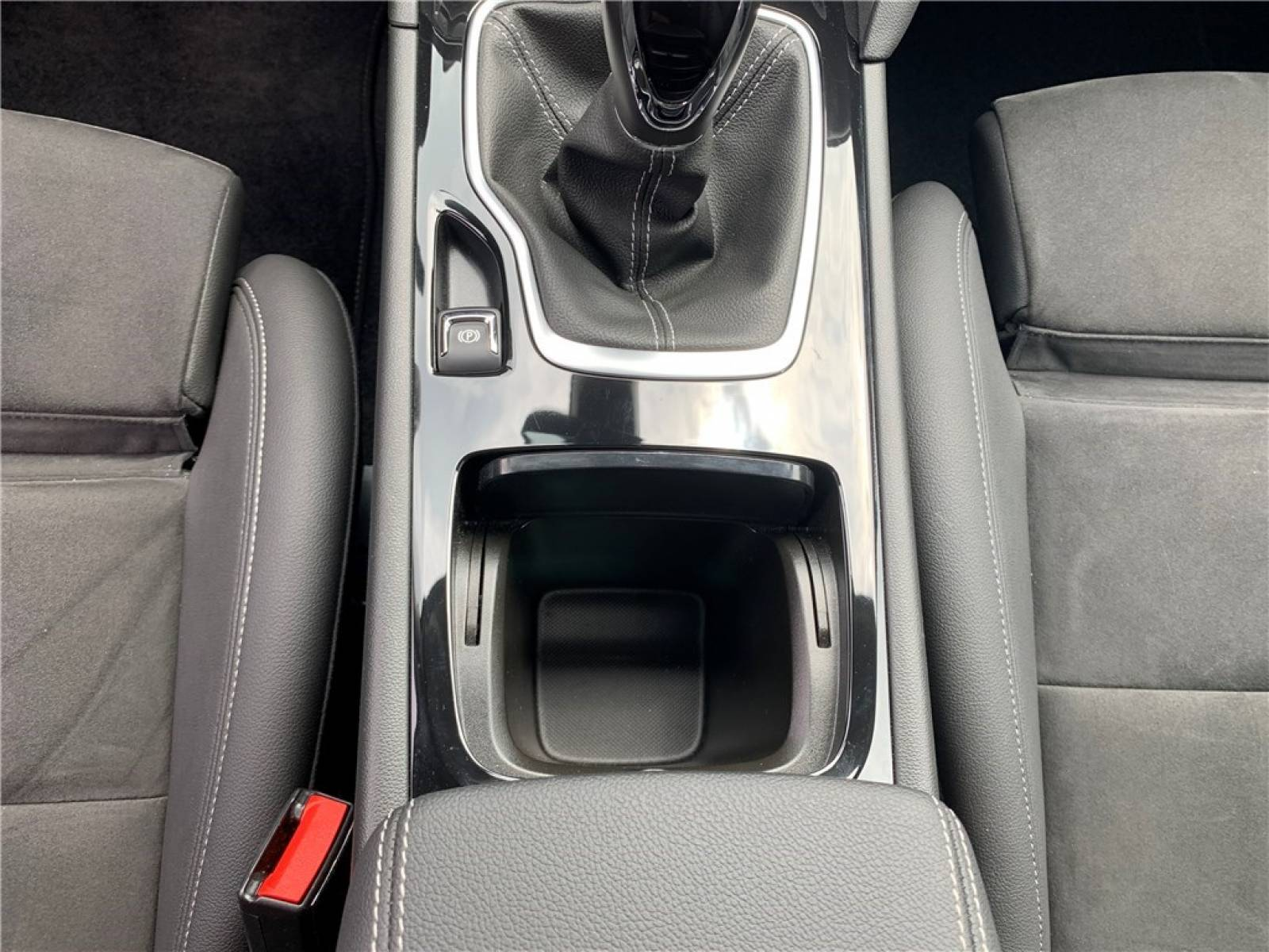 OPEL Insignia Grand Sport 1.6 Diesel 136 ch - véhicule d'occasion - Groupe Guillet - Opel Magicauto - Montceau-les-Mines - 71300 - Montceau-les-Mines - 25