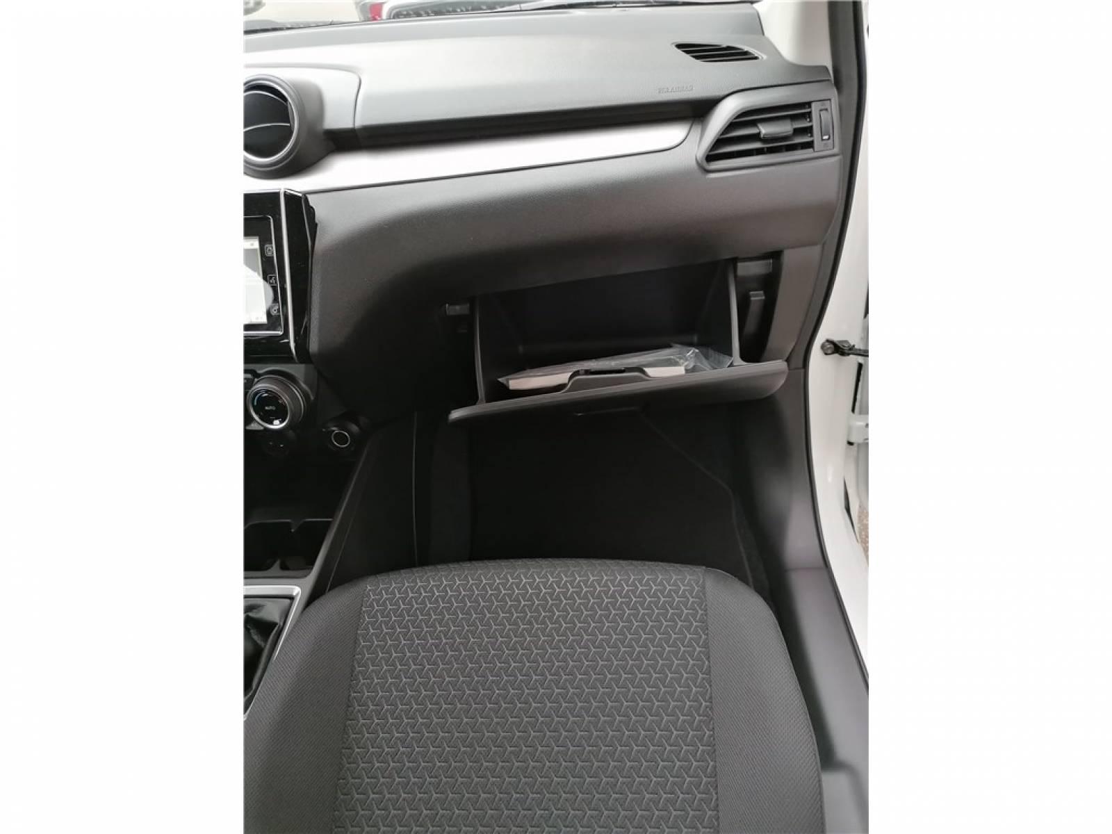 SUZUKI Swift 1.2 Dualjet Hybrid - véhicule d'occasion - Groupe Guillet - Hall de l'automobile - Chalon sur Saône - 71380 - Saint-Marcel - 38