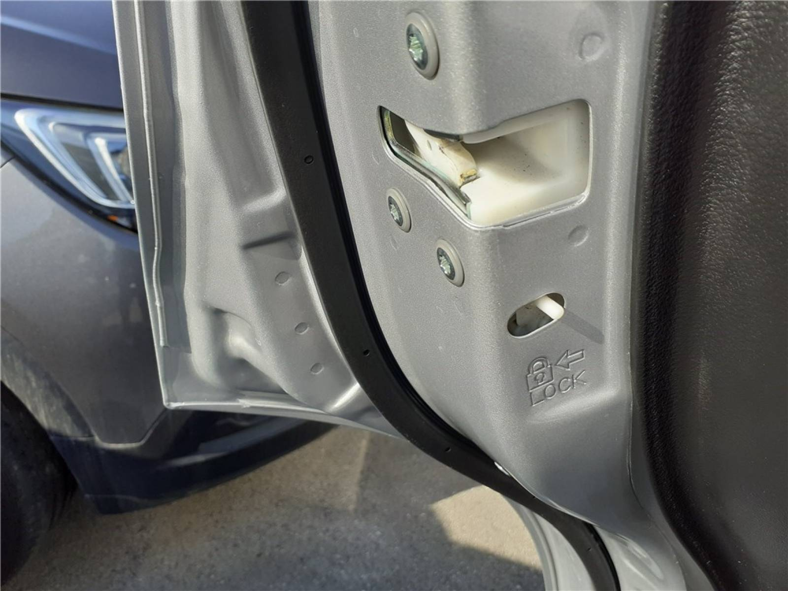 SUZUKI Vitara 1.0 Boosterjet - véhicule d'occasion - Groupe Guillet - Opel Magicauto - Chalon-sur-Saône - 71380 - Saint-Marcel - 15