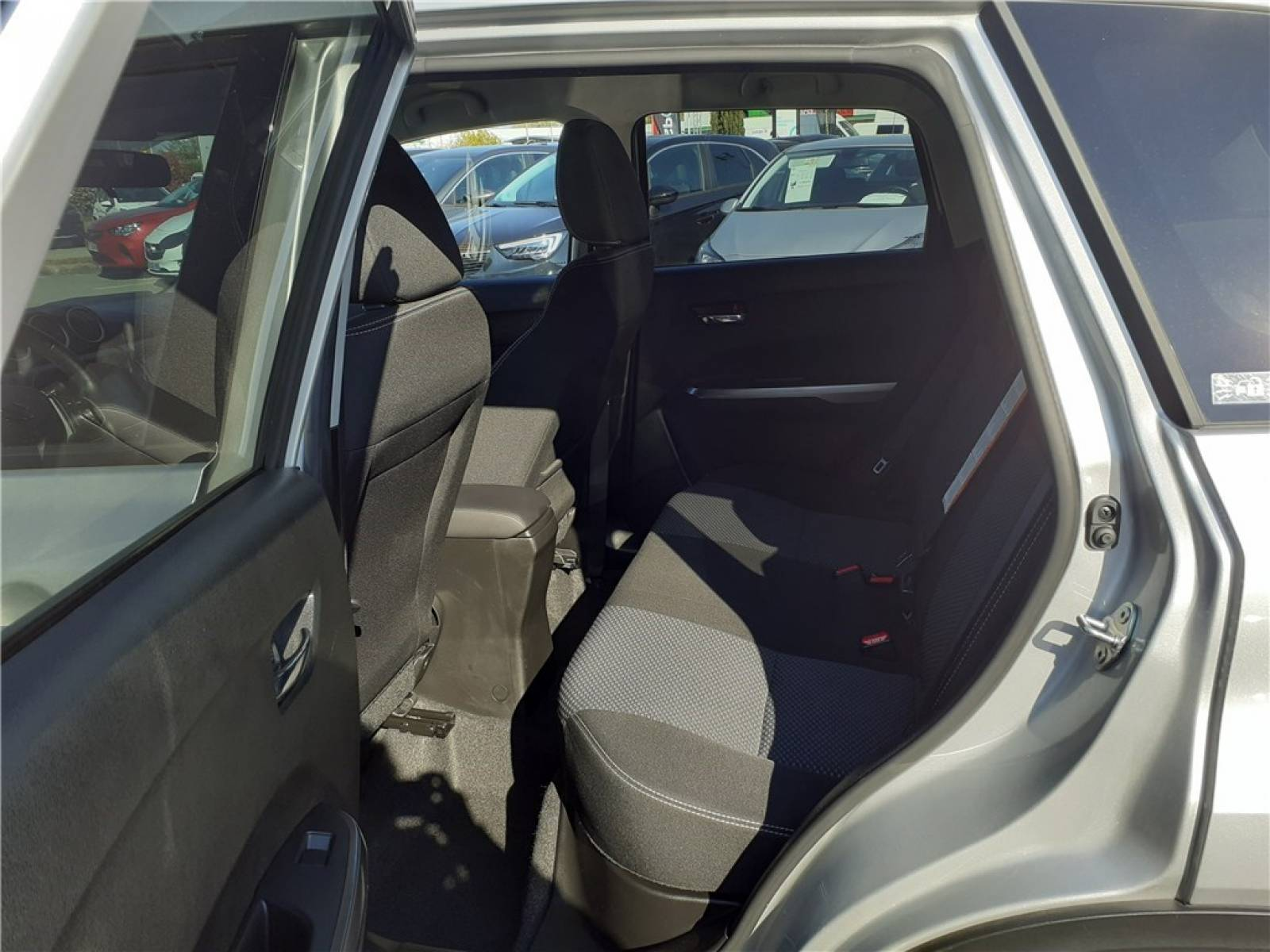 SUZUKI Vitara 1.0 Boosterjet - véhicule d'occasion - Groupe Guillet - Opel Magicauto - Chalon-sur-Saône - 71380 - Saint-Marcel - 16