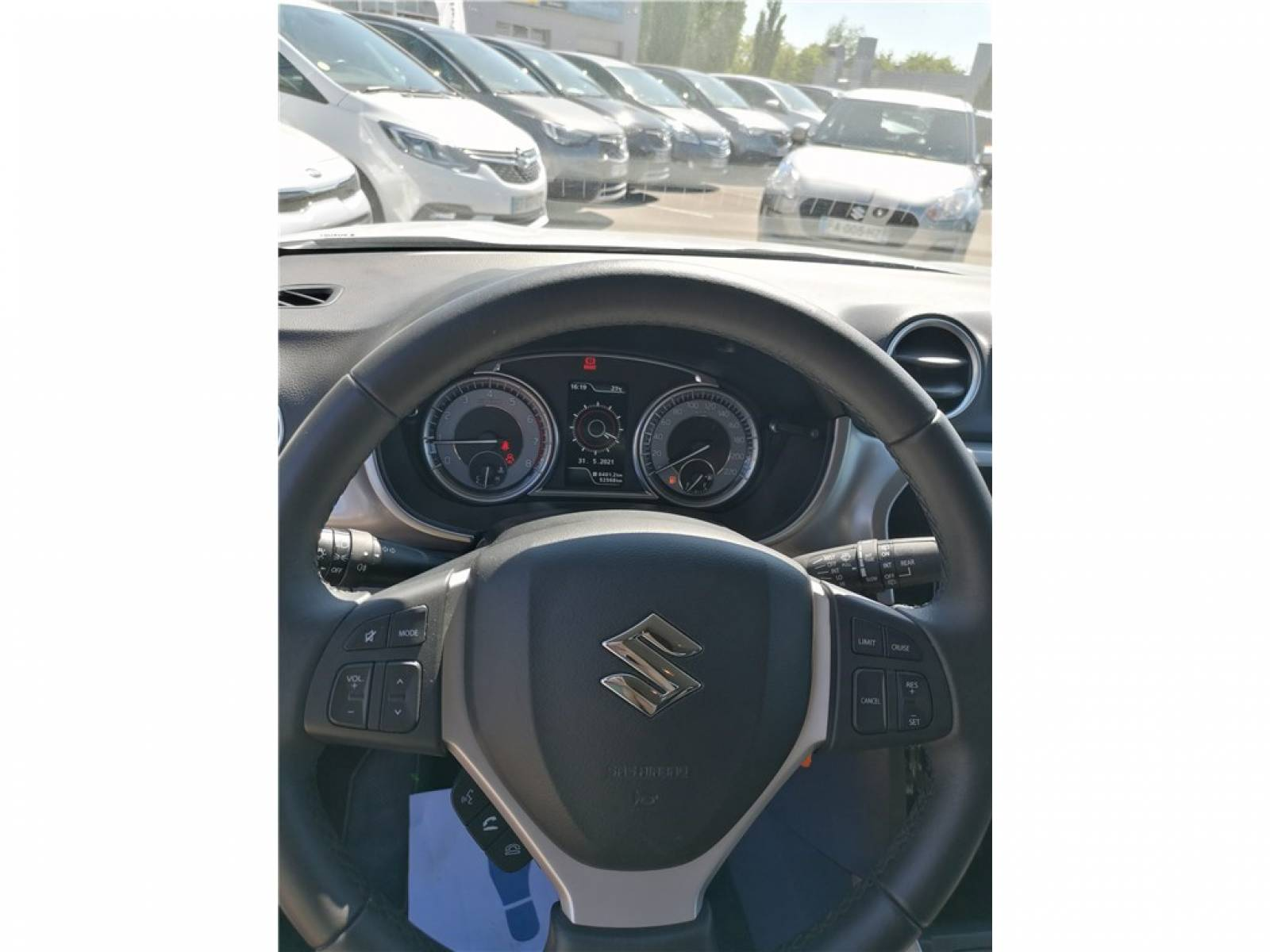 SUZUKI Vitara 1.0 Boosterjet - véhicule d'occasion - Groupe Guillet - Opel Magicauto - Chalon-sur-Saône - 71380 - Saint-Marcel - 21