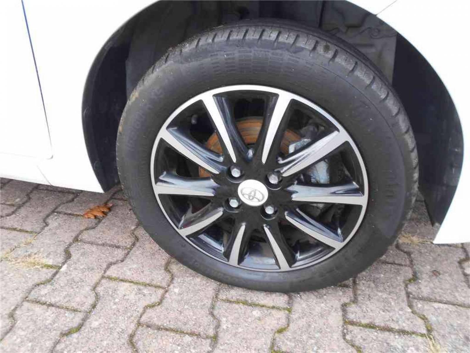 TOYOTA Aygo 1.0 VVT-i - véhicule d'occasion - Groupe Guillet - Chalon Automobiles - 71100 - Chalon-sur-Saône - 22